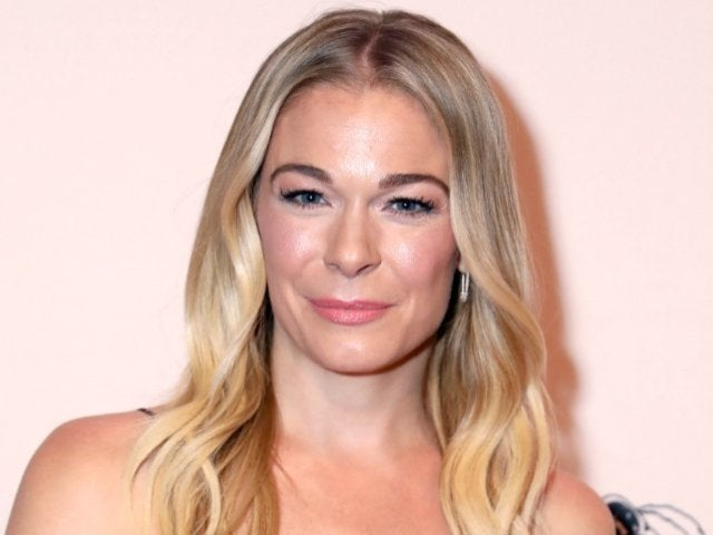 LeAnn Rimes Jokes That Easter With Husband's Ex-Wife Brandi Glanville Is 'Awkward'