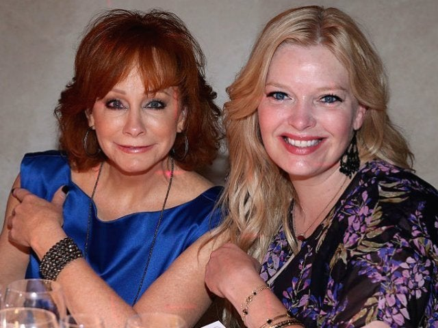 'Reba' Star Melissa Peterman Pays Tribute to Reba McEntire at Kennedy Center Honors