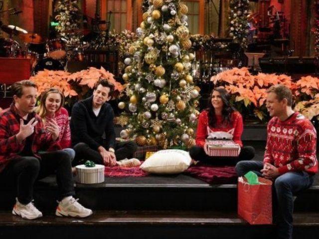 'SNL' Cast Ruins Host Matt Damon's Christmas With Tense Secret Santa Exchange in Promo Clip