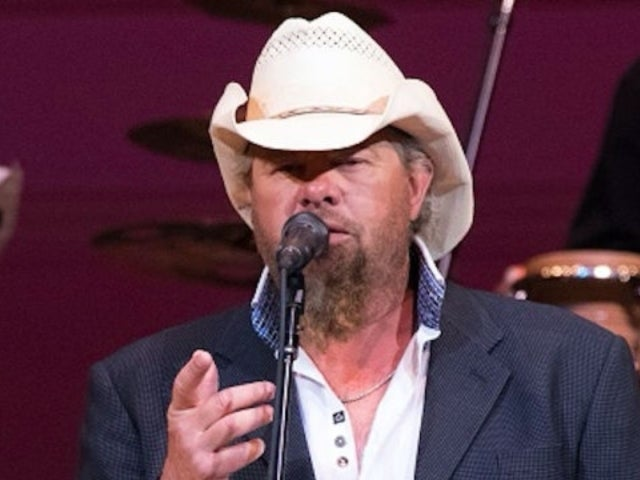 Toby Keith Pens 'Don't Let the Old Man In' for Clint Eastwood's New Movie, 'The Mule'