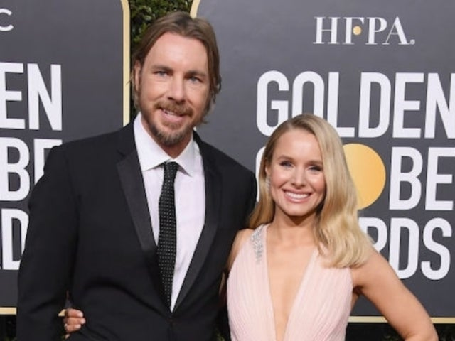 Golden Globes Nominee Kristen Bell Hits Red Carpet With 'The Ranch' Star Husband Dax Shepard