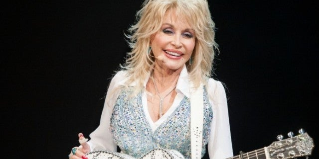 9 Things to Know About Dolly Parton