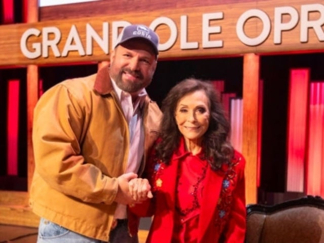 Garth Brooks Recalls Heartwarming Date With Loretta Lynn