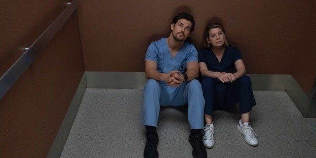 'Grey's Anatomy' Doctors 'Trapped and Powerless' in New ...
