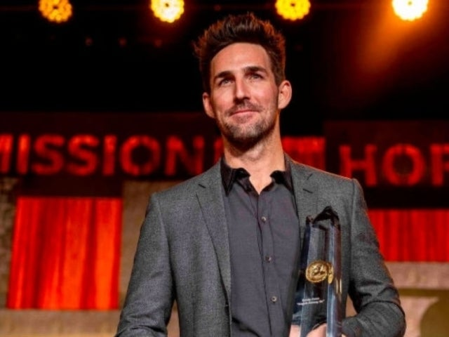 Jake Owen Receives Angels Among Us Award for Work at St. Jude