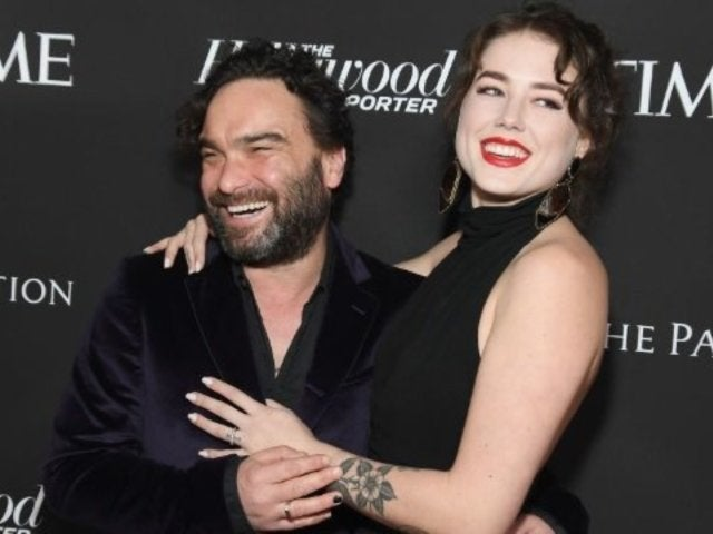 'Big Bang Theory' Star Johnny Galecki's Girlfriend Alaina Meyer Reveals 35-Week Baby Bump Photo