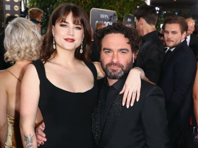 'Big Bang Theory' Actor Johnny Galecki and Girlfriend Alaina Meyer Make Golden Globes Red Carpet Debut