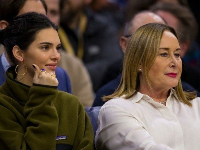 Kendall Jenner Attends 76ers Game With Ben Simmons' Mom