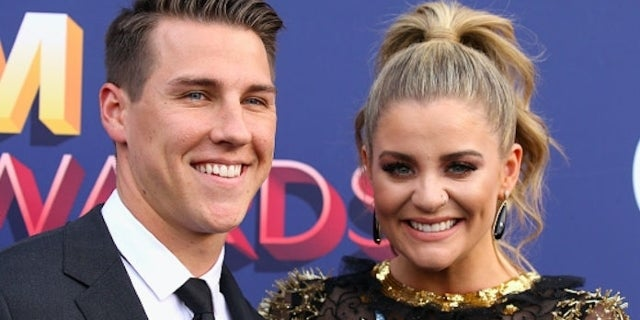 Lauren Alaina Ends Engagement to Alex Hopkins