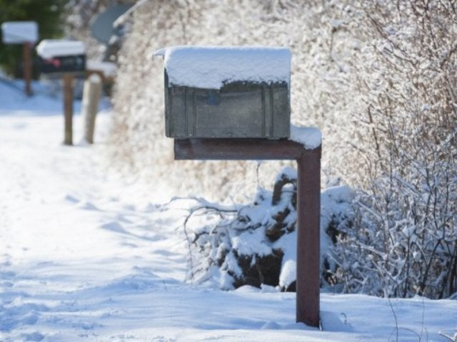 US Postal Service to Suspend Delivery in More Than 100 Zip Codes Due to Polar Vortex