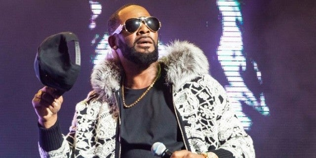 Police Confront R. Kelly at Trump Tower to Conduct Welfare Check on Women Allegedly Being Held Hostage