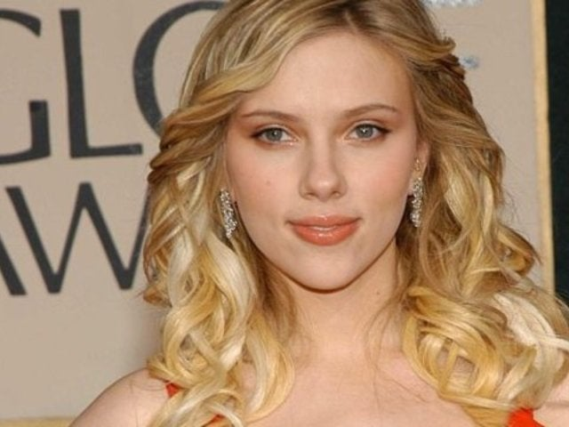 Controversial Golden Globes Groping Incident Involving Scarlett Johansson Resurfaces