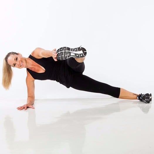 5.-side-plank-toe-touch-b-700_1