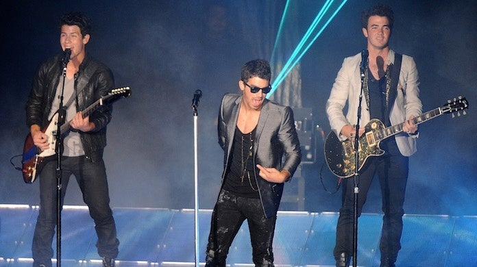 jonas-brothers-nick-joe-kevin