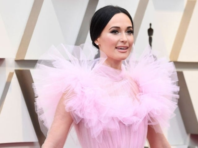 Oscars 2019: Kacey Musgraves Brings Southern Charm to Red Carpet With Pink Ruffle Dress