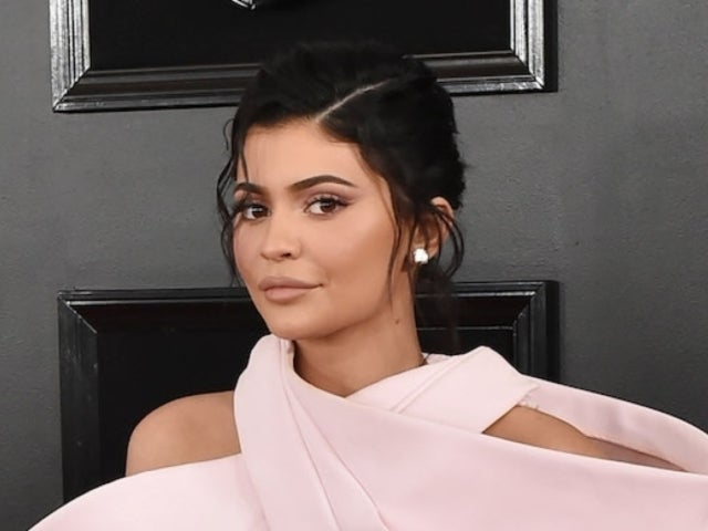 Kylie Jenner Flips off Camera in New Photo, Fans Weigh In