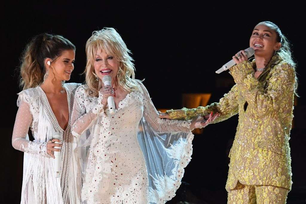 Grammys 2019 Miley Cyrus Maren Morris And More Team Up For Dolly Parton Tribute