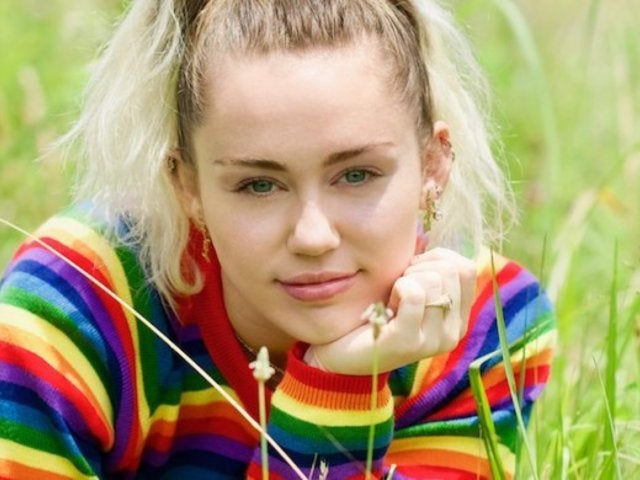Miley Cyrus Hospitalized, New Photo Shows