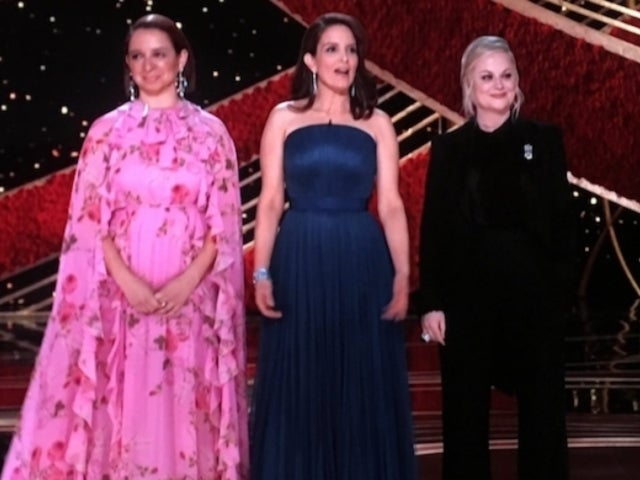 Oscars 2019: Tina Fey, Amy Poehler and Maya Rudolph Joke About Trump's Border Wall