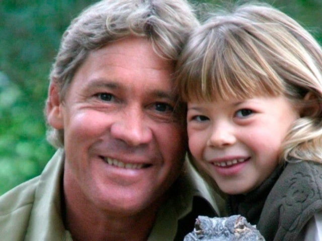 Bindi Irwin Says 'Love Lasts Forever' in Tribute to Late Dad 'Crocodile Hunter' Steve Irwin