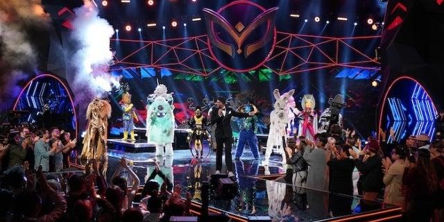 Masked Singer Monster Plüschtier
