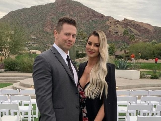 WWE: The Miz and Maryse Reveal Pregnancy at Elimination Chamber