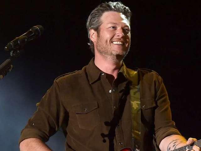 Blake Shelton Surprises Nashville Fans Ahead of CMA Fest