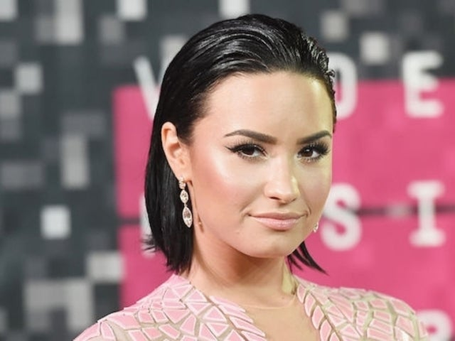 Demi Lovato Alleged Nude Photos Leaked After Snapchat Is Hacked