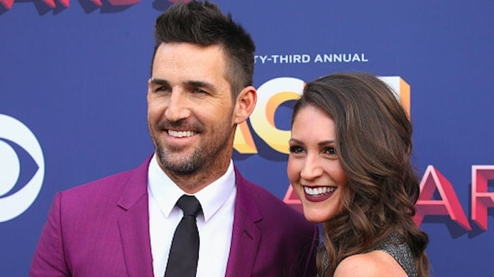 jake-owen-erica-hartlein