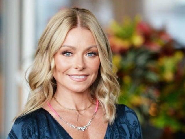 Kelly Ripa Unveils Her Christmas Tree, and It's Massive