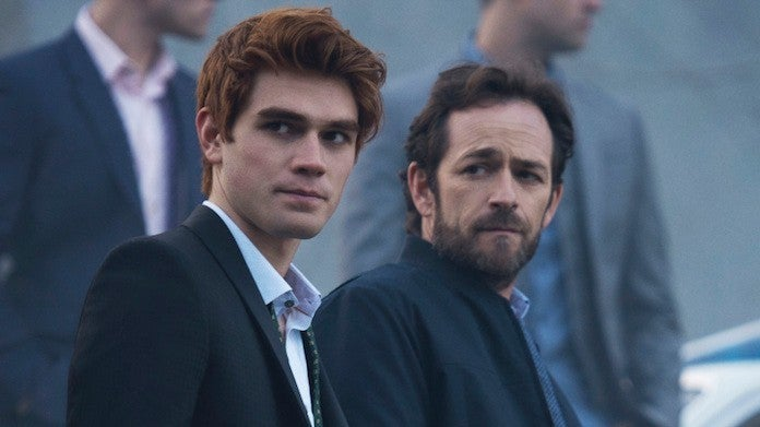 luke-perry-kj-apa-riverdale-CW