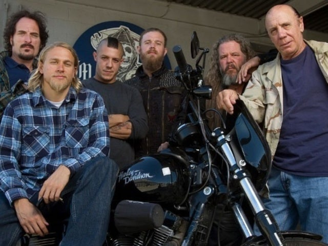'Sons of Anarchy' Co-Stars Charlie Hunnam and Ryan Hurst to Lead Yoga Class