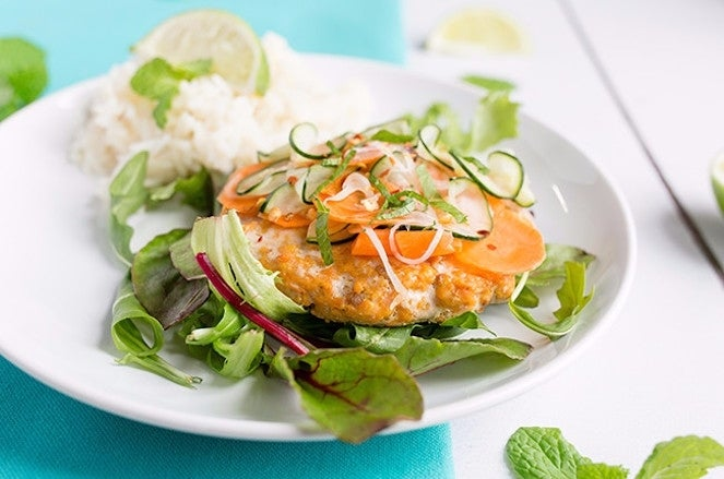 thai-salmon-burgers-with-pickled-cucumber-slaw-resized-11-650x43-63998
