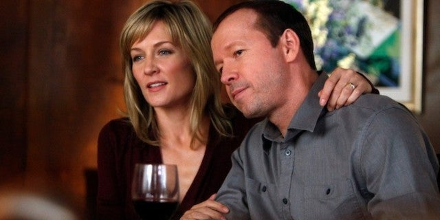 blue-bloods-amy-carlson-donnie-wahlberg