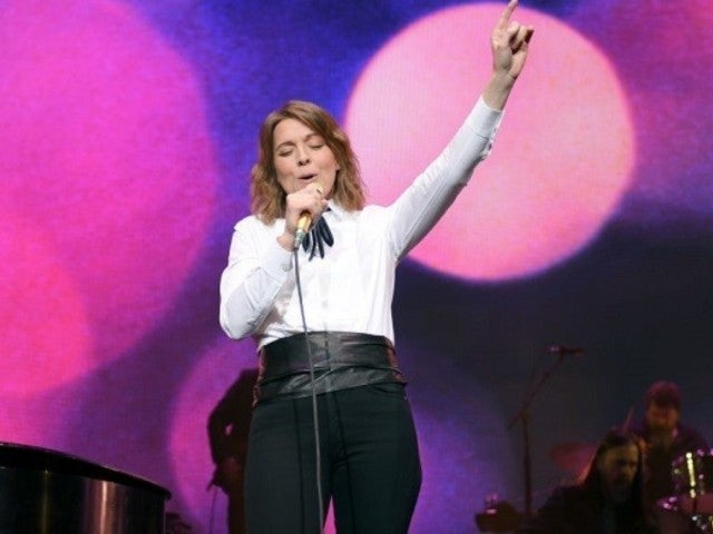 Brandi Carlile: What to Know About Acclaimed ACM Awards Performer