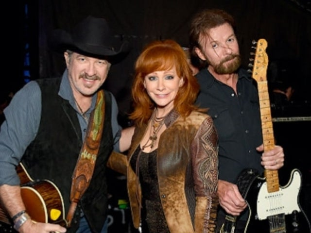 2019 ACM Awards: Brooks & Dunn Call out Reba McEntire for Celebrating Miranda Lambert's Success