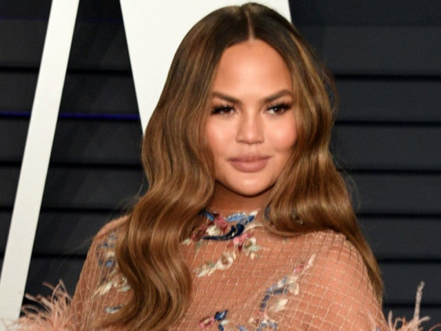 'Bar Rescue': Chrissy Teigen Throws Shade at Show's Subjects