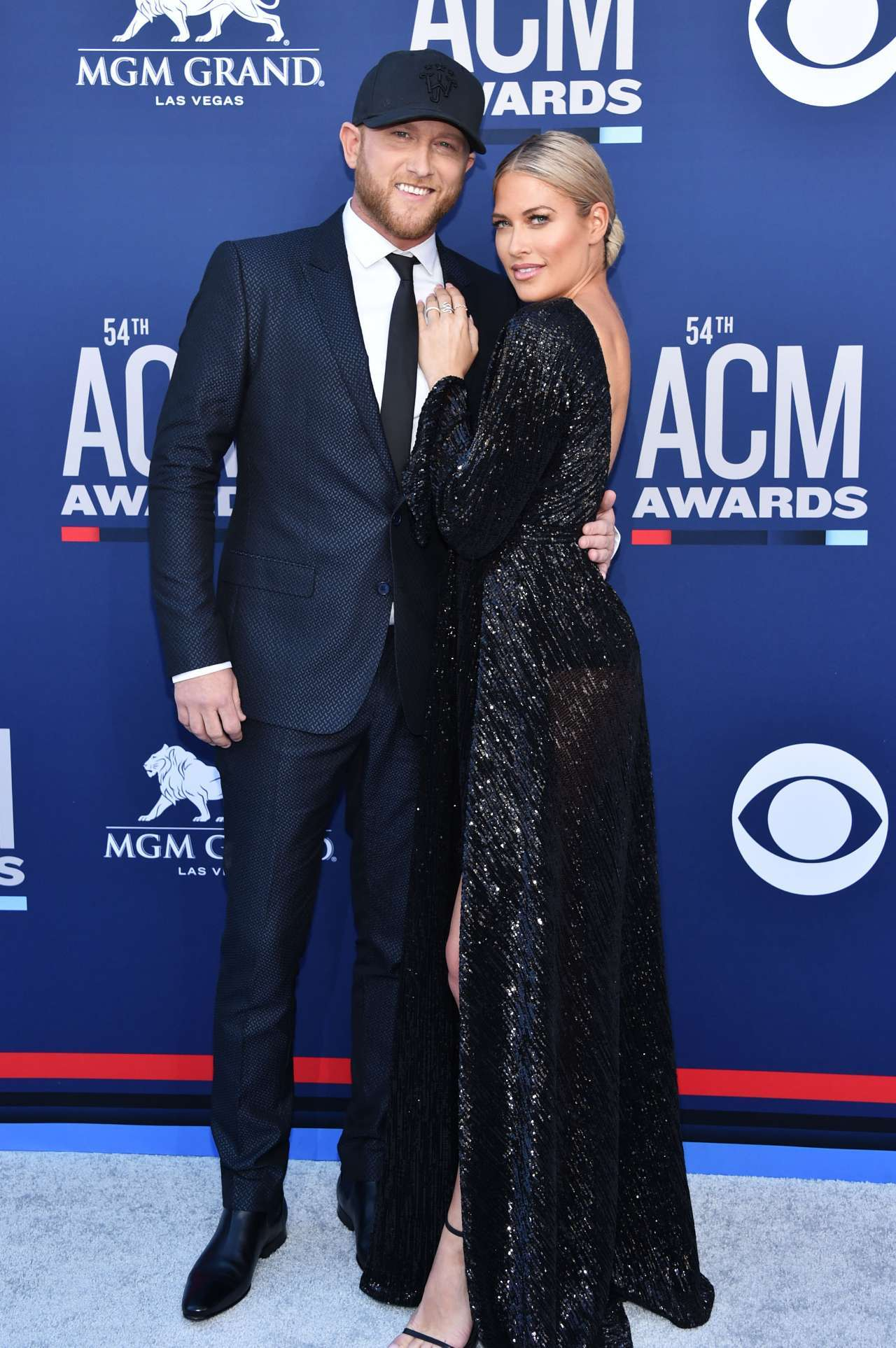 Acm Awards Cole Swindell And Girlfriend Barbie Blank Make