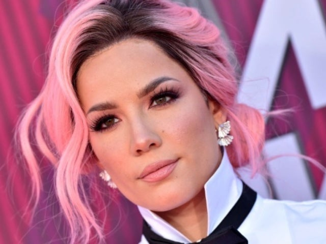 Halsey Fans Were Loving Her Billboard Music Awards Outfit