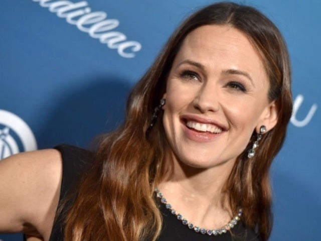 Jennifer Garner Responds to More Pregnancy Speculation After Pumpkin Carving Confuses Fans