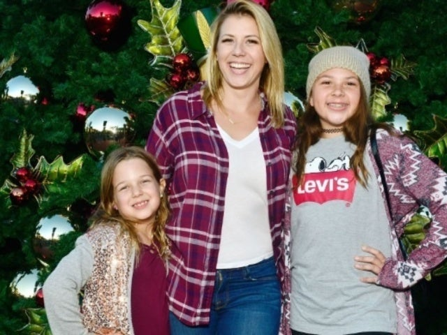 'Fuller House' Star Jodie Sweetin Reveals Rare Photo of Daughter Zoie