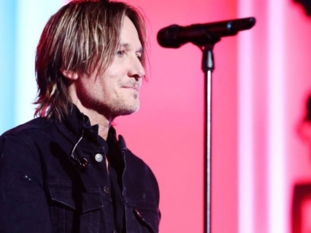 ACM Awards: Keith Urban Wins Entertainer of the Year