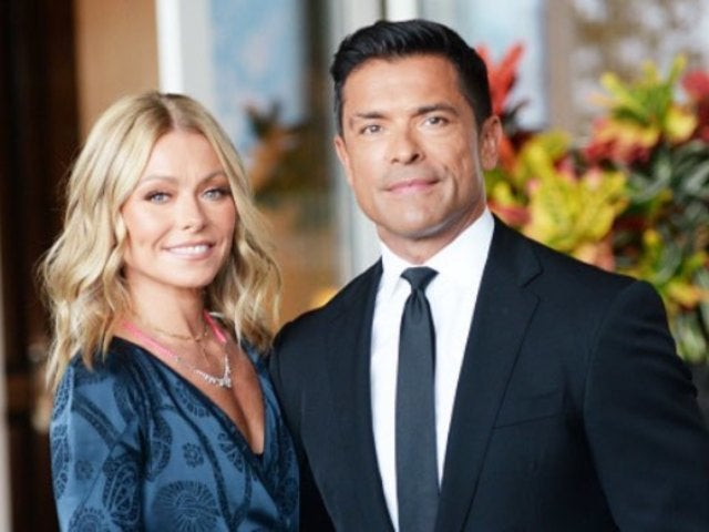 Kelly Ripa Jokes About Needing 'Plastic Surgery' to Get Husband Mark Consuelos' Body