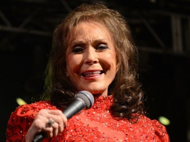 9 Things to Know About Loretta Lynn