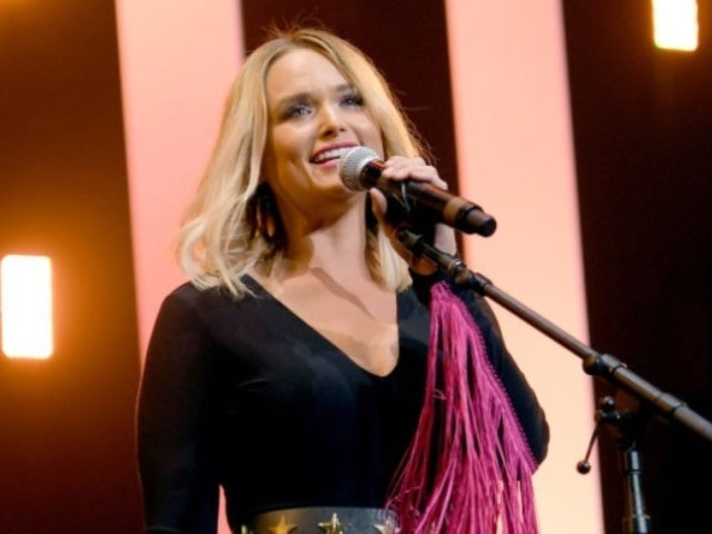 Miranda Lambert Jokes About Getting Angry With 'Husbands' During Loretta Lynn Birthday Concert
