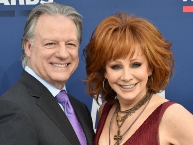 ACM Awards: Reba McEntire Hits Red Carpet With Boyfriend Anthony 'Skeeter' Lasuzzo