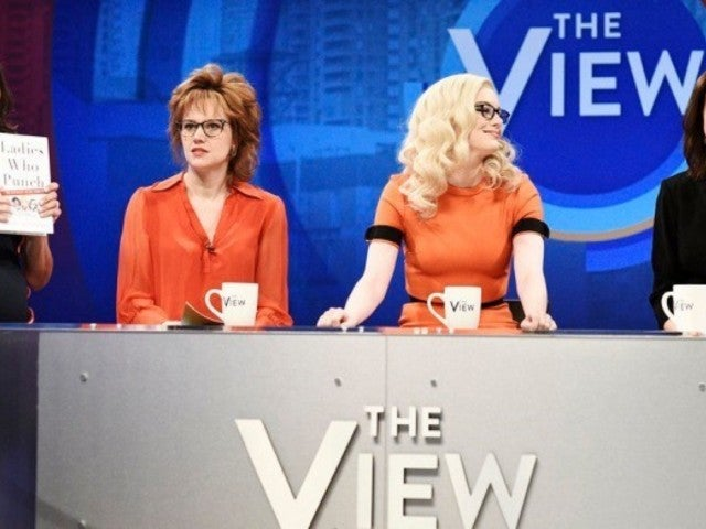'SNL': 'The View' Hosts Skewered by Emma Stone and Cast