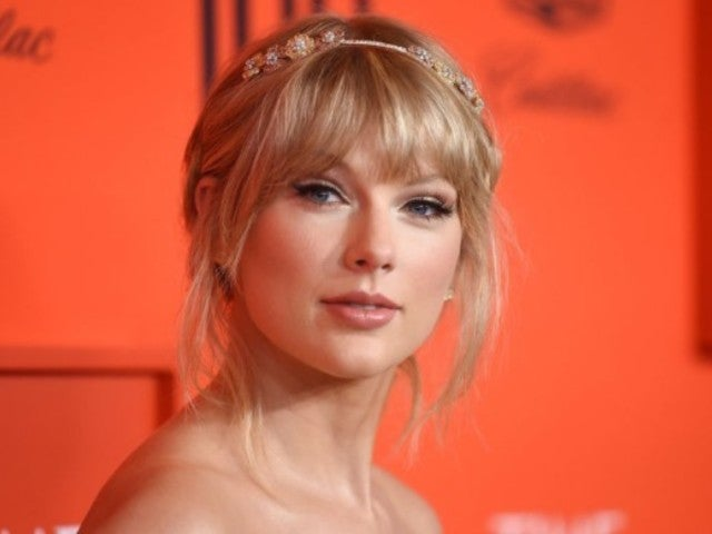 Taylor Swift Surprises Fans at Butterfly Mural in Nashville