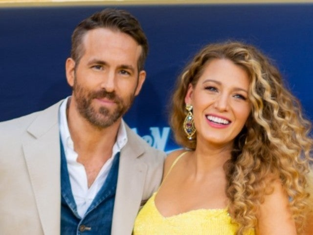 Ryan Reynolds and Blake Lively Enjoy Night out in Adorable Selfie