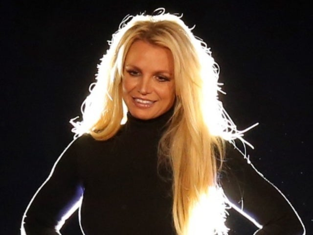 Britney Spears Dances to Michael Jackson Amid Rumors About Career